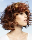 peinados para cabello medio - bob with curls