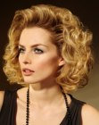 peinados medios - hair style with largte soft curls