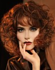 peinados medios - coppery red curls