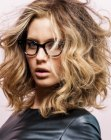 peinados medios - hairstyle for heavy framed glasses