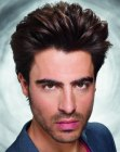 peinados para hombres - mens hair curved towards the back
