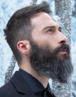 looks para hombres – long natural beard
