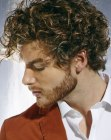 cabello de hombres - mens hair with bouncy curls