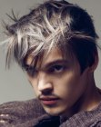peinados de hombre - male look with silver hair