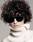 cortes modernos - curls and turtleneck sweater