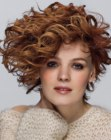 cabello corto - asymmetrical curls hairstyle