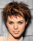 cabello corto - pixie with highlights