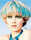 cortes cortos - blonde with blue hair coloring