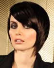 peinados cortos - foward elongated bob