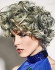peinados cabello corto - silver hair with curls