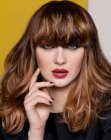 peinados de moda - brown hair with highlights