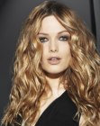 peinados de moda - undone look for long hair