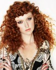 peinados de moda - red curly long hair