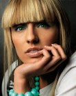 cortes de moda - blond blunt cut bangs